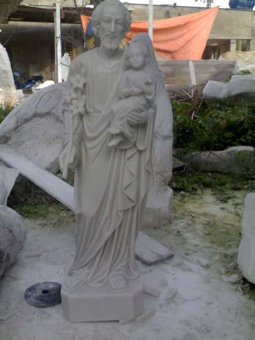 Tượng Chúa 1